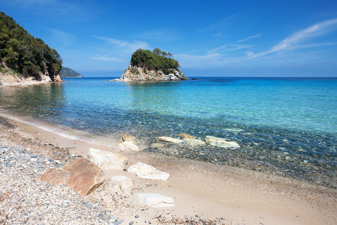 La spiaggia della Paolina, dedicata alla sorella di Napoleone (R.Ridi/Visitelba.info).